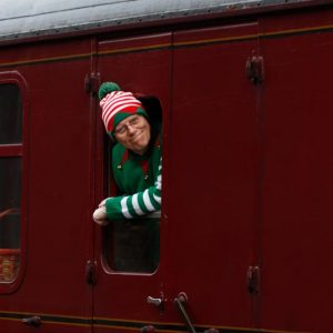 santa-special-steam-train-3
