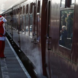 santa-special-steam-train-8