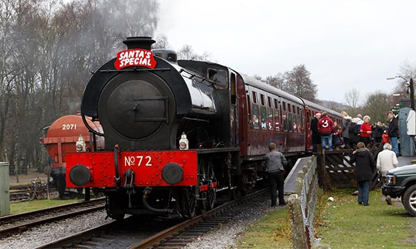 santa steam train rides derbyshire and midlands